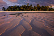 aitutaki beach,paul theroux,happy isles of oceania,maina island,aitutaki sunset