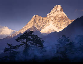 ama dablam sunset,ama dablam picture,everest trek picture,tengboche monastery