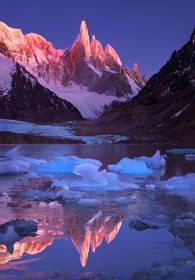 cerro torre, laguna torre, patagonia, sunrise, el chalten, los glaciares, argentina, icebergs, alpenglow, reflection