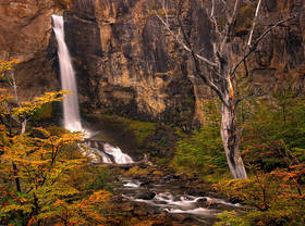 patagonia autumn, patagonia waterfall,el chalten fall, autumn lenga,el chalten waterfall,trekking
