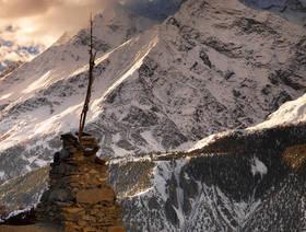 chorten,himalaya trekking picture,annapurna circuit pictures,ganggapurna,nepal trekking photo