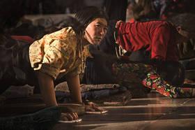 lhasa pilgrim,tibet pilgrim,jokhang photo,jokhang picture,prostrating,lhasa picture,barkhor,kora