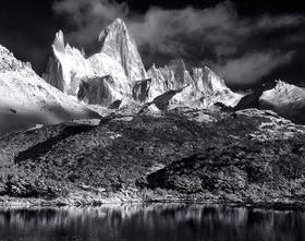 Fitzroy black and white,Fitzroy picture,patagonia picture, Fitzroy sunrise,fitzroy photo,lago capri,