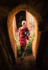 monk, bagan, burma, alms, door, window, barefoot, step, buddhism, myanmar