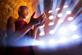 monk, bagan, burma, light, rays, temple, touching, culture buddhism