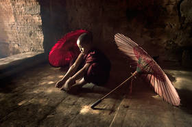 monk, bagan, burma, myanmar, temple, thinking, pondering, umbrella, meditation, buddhist, buddhism