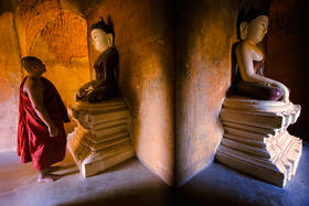 bagan, monk, temple, burma, buddhism, myanmar, culture, south east asia, meditation