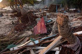 samoa tsunami, lalomanu beach, destruction, pictures, photos, taufua beach fales