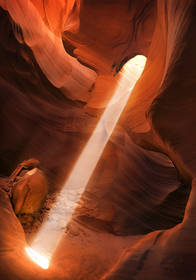 antelope canyon beam,beam,shaft,slot canyon,slot canyon print,slot canyon picture,lower antelope