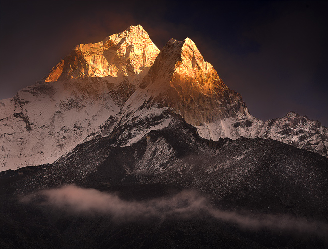 ama dablam photos,ama dablam sunset,ama dablam pictures,himalaya mountains,everest trek, photo