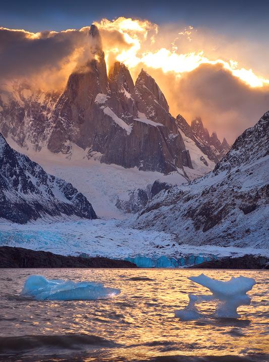patagonia,cerro torre,sunset,icebergs,laguna torre,los glaciares,el chalten, photo
