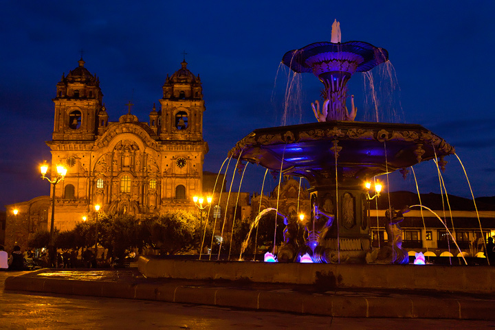 cusco,peru,fountain,church,plaza de armas,twilight,night, lights,dusk,gold,south america, photo