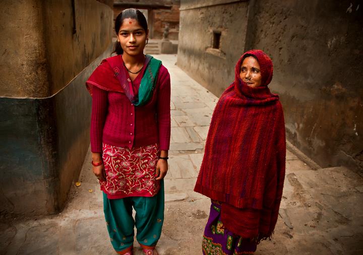 durbar square,kathmandu,nepal,culture,portrait,street,women,red,generations, photo