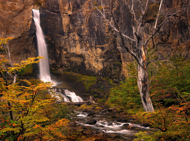 patagonia autumn, patagonia waterfall,el chalten fall, autumn lenga,el chalten waterfall,trekking, photo