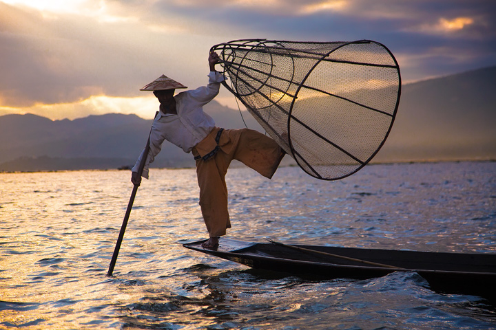inle lake, burma, fisherman, traditional, culture, basket, sunset, light beams, myanmar, photo