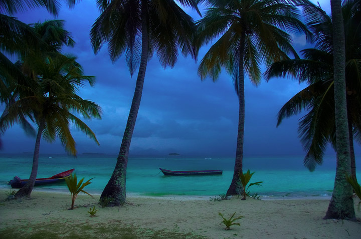 kuanidup, san blas islands, panama, beach, caribbean, palm trees, boats, twilight, photo