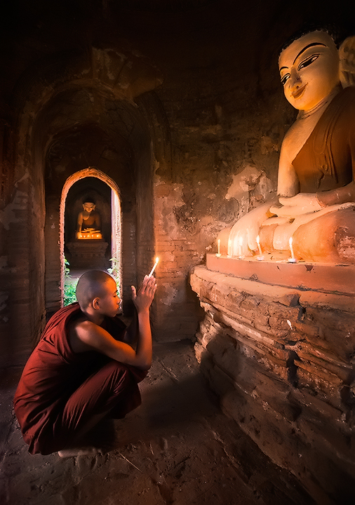 monk, burma, bagan, candle, temple, hall,culture, buddhism, buddhist, photo