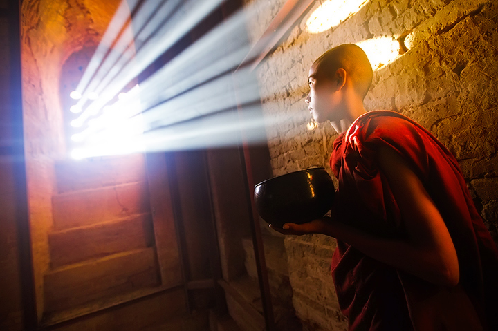 monk, temple, window, light beams, bagan, burma, myanmar, alms bowl, culture, portrait, photo