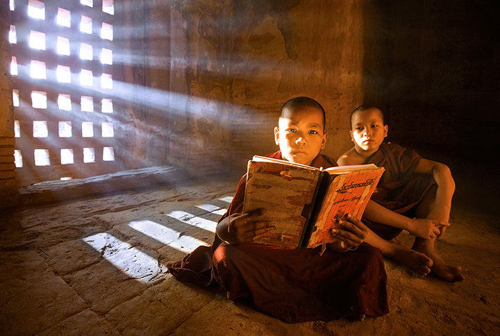 monks, temple, light rays, bagan, burma, myanmar, study, book, reading, buddhist, photo