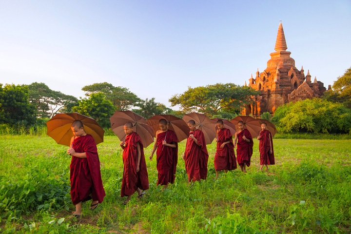 monks, line, umbrellas, bagan, burma, myanmar, sunset, temple, photo