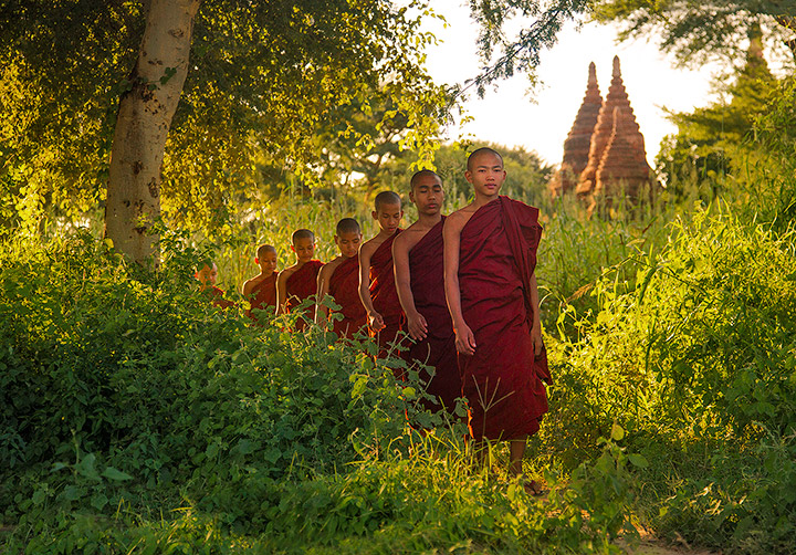 bagan, burma, myanmar, monks, forest, trail, path, temple, afternoon, photo