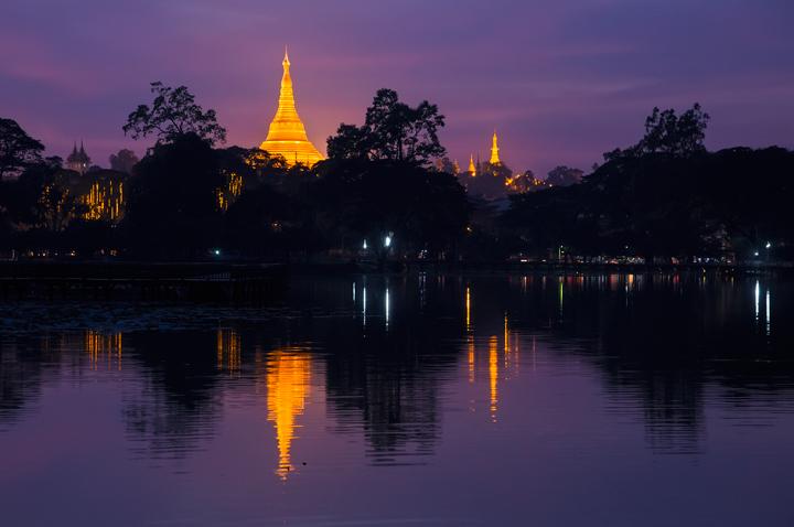 shwedagon, night, reflection, kandawgyi lake, burma, yangon, myanmar, photo